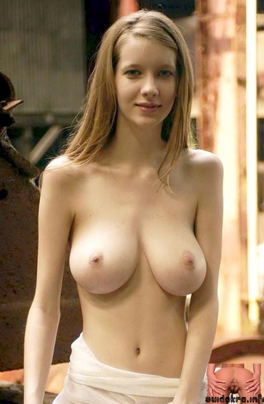 curvy girl naked busty door