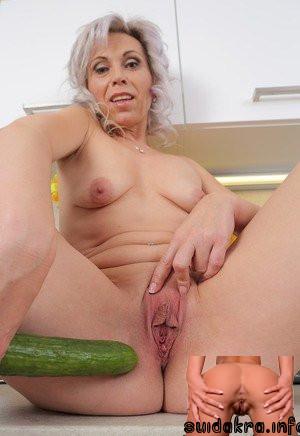 dildo pussy spreading milf granny granny shits on dildo